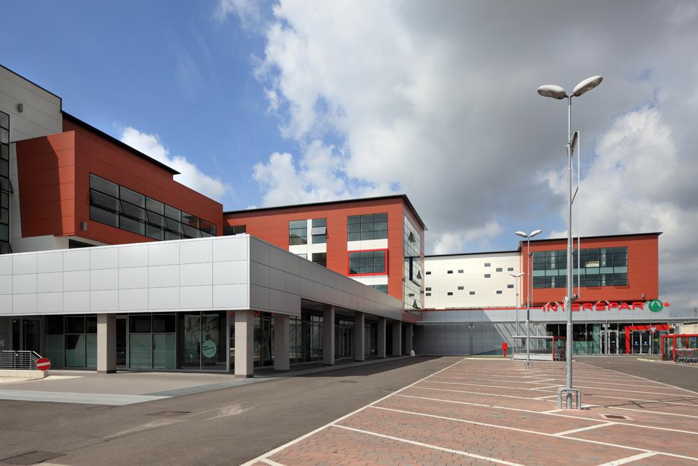 Schiavonesca center direzionale progetti herv perin for Progetti di costruzione commerciale gratuiti